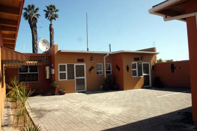 Bush Babies Swakopmund: outside view of Ugab & Uniab cottages