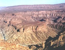 canyon.JPG (16394 bytes)