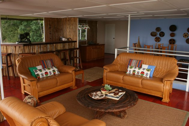 The Delta Belle House Boat, Botswana