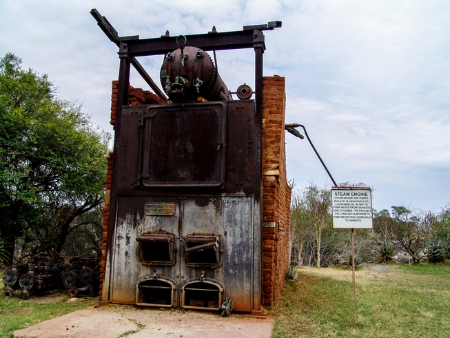 Otjikoto Lake Namibia: steam engine pump